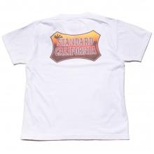 スタンダードカリフォルニア サンセット シールド ロゴ Tシャツ